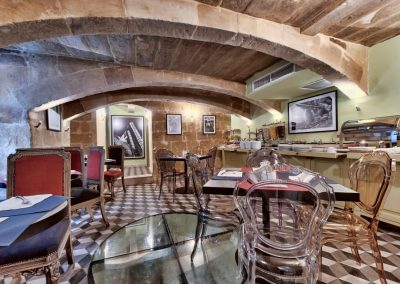 Ursula's Lounge