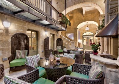 Palazzo Consiglia Hotel Courtyard
